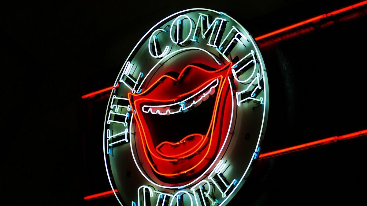 Mezi filmové žánry rozhodně patří komedie a úsměv.