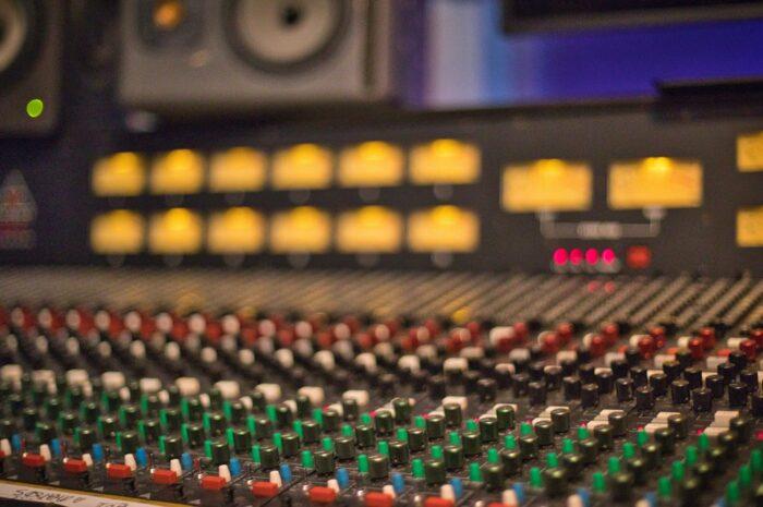 Mixážní pult je takovým pomyslným symbolem pro BRIT Awars.